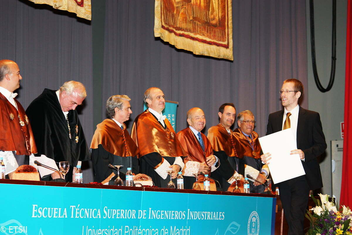 Imagen del Numero 1 de Ingeniería Industrial 2011 Pablo Cerrada