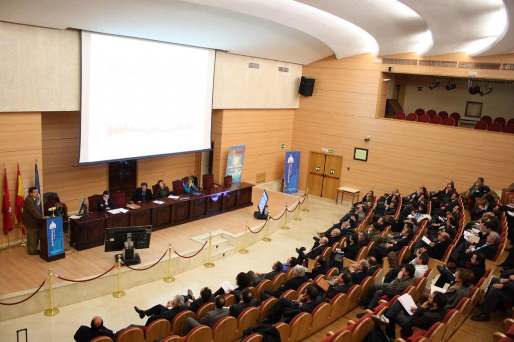El salón de actos durante la presentación del estudio