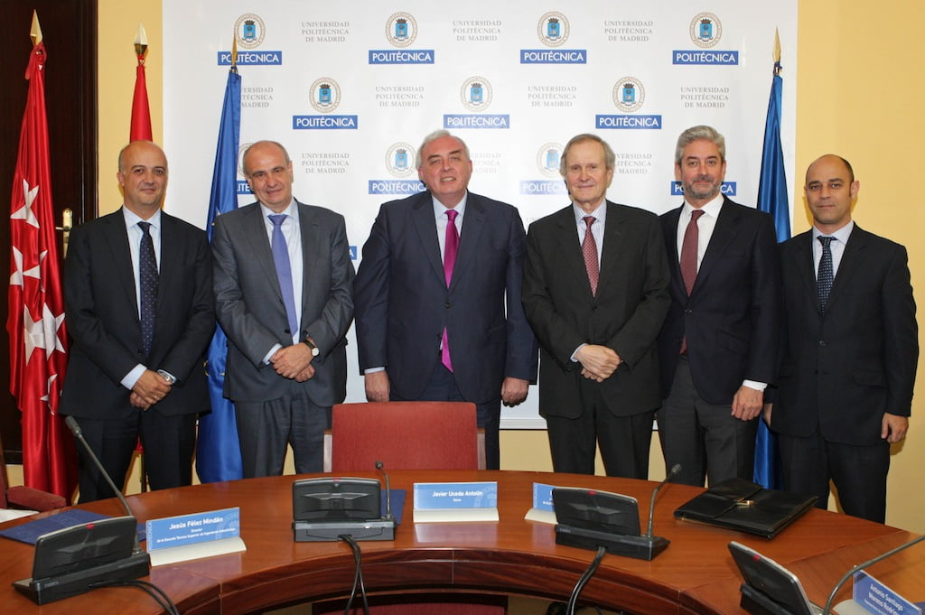 Participantes en la firma de la Cátedra Alstom-ETSII