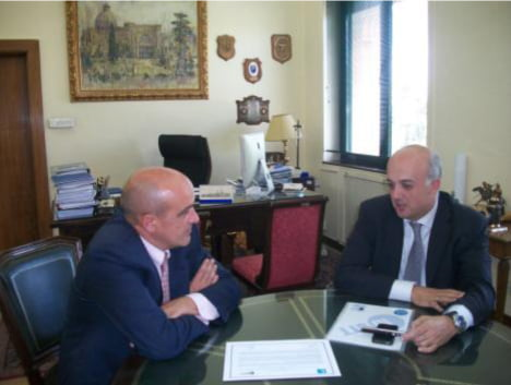 IbSTT refrendando el acuerdo con ETSII
