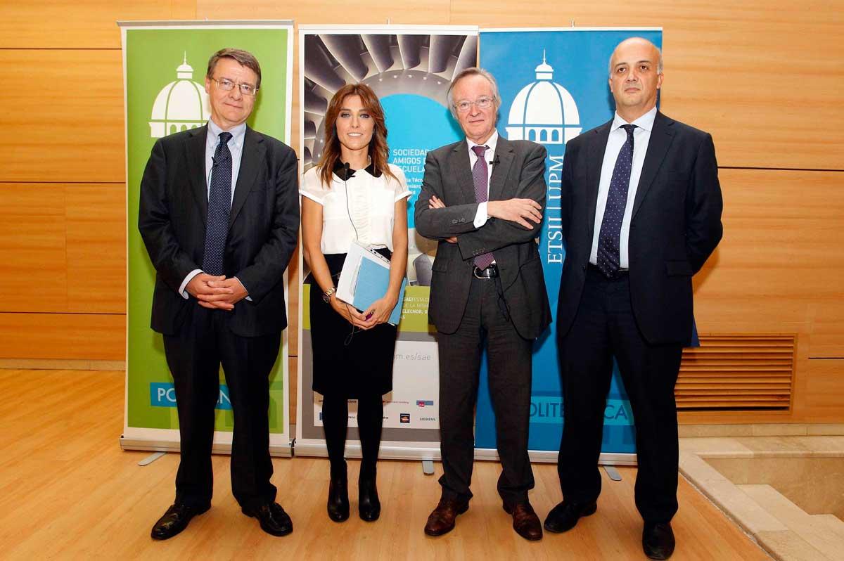 Helena Resano, Josep Piqué y Jordi Sevilla junto al Director Jesús Félez