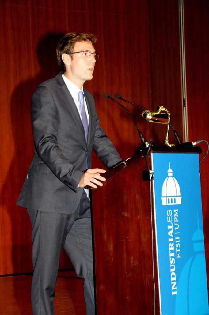 Ernesto Ubieto durante la Entrega de Diplomas de Escuela Industriales UPM