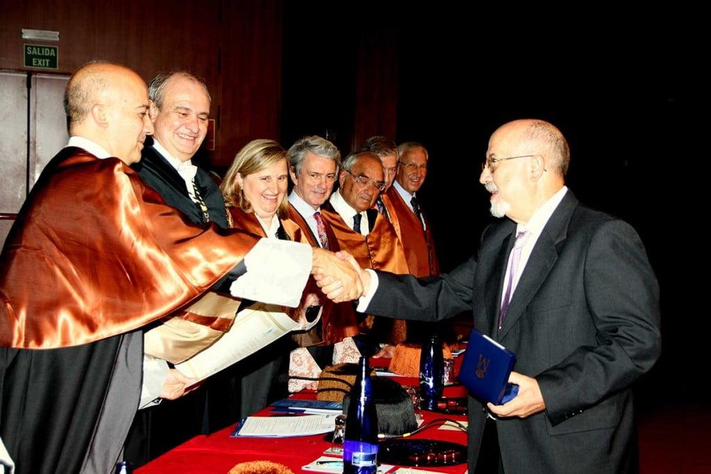 Premio en Industriales a Máximo López