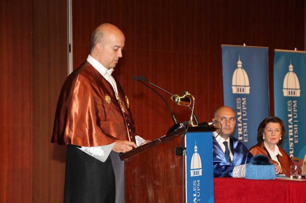 Don Jesús Félez durante la Entrega de Diplomas de Escuela Industriales UPM