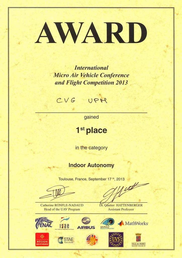 Primer premio para El grupo de Investigación del Centro de Automática y Robótica se alza en la competición IMAV 2013