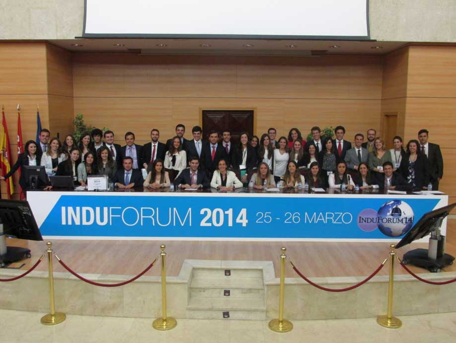 Equipo de la feria de empleo Induforum 14
