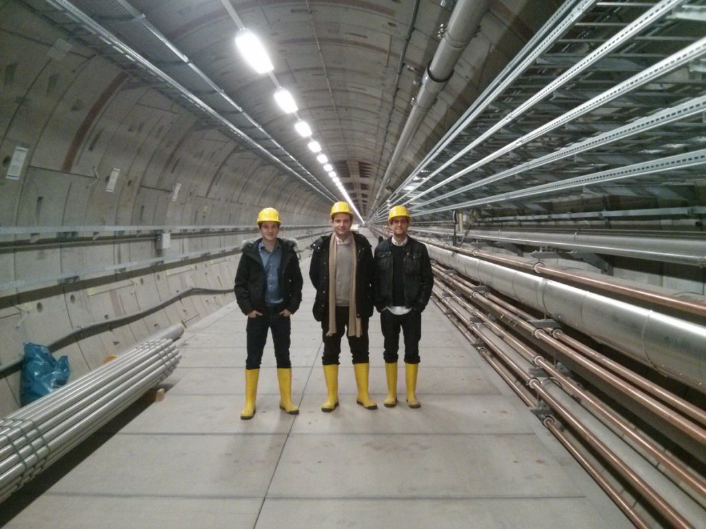 Parte del equipo de investigación de la Escuela, en el túnel XFEL, una vez finalizada la obra del túnel.